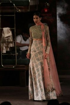 Sabyasachi Mukherjee. ICW 14'. Indian Couture.