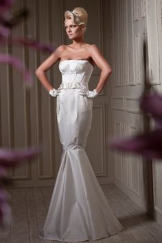 High Fashion | Bridal Style | Wedding Ideas: Majestic Yaki Ravid structural wedding dress