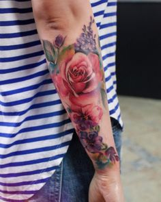 Body – Tattoo's – Colorful floarls… coolTop Body - Tattoo's - Colorful floarls. Realistic Flower Tattoo, Colorful Flower Tattoo, Flower Tattoo Arm, Flower Tattoo Designs, Colorful Sleeve Tattoos, Flower Sleeve Tattoos, Floral Arm Tattoo, Tattoo Sleeves, Colorful Flowers