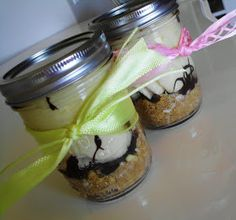 The Nummy Little Blog: Banana Cream Pie in a Jar