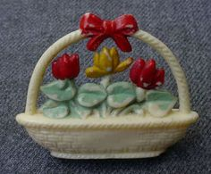 30'S BASKET WITH FLOWERS BOUQUET CELLULOID PIN