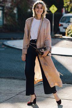 Usar maxi coberturas como um cardigan ou casaco alongado