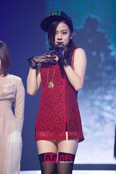 LENA   Trainee   Country: South Korea   Genre: Pop   Active: 2014-Present   2014. Performs the rap verse of Seon Mi's 'Full Moon' single.   #lena #rapper #fullmoon #sunmi #jyp #kpop