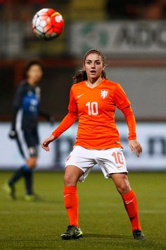 Danielle van de Donk Photos - Danielle van de Donk of the Netherlands in action during the International Friendly match between Netherlands and Japan held at Kras Stadion on November 29, 2015 in Volendam, Netherlands. - Netherlands Women v Japan Women - International Friendly