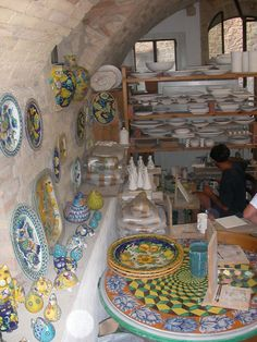 More Tuscan pottery. That table top with a different border