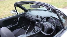 Mazda MX5 mk2 (C) Motoring Research