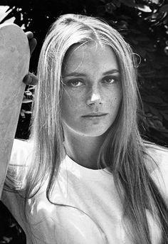 Ten famous freckle icons Peggy Lipton