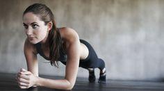 Einfach, aber effektiv: Das Mini-Power-Workout trainiert die Muskeln am Bauch, Taille und Rücken, strafft den Body und lässt Fettpölsterchen am Bauch verschwinden