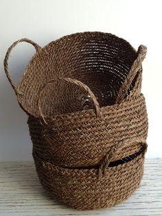 Canasto tejido a mano con Boqui, una especie de enredadera gruesa y sólida que crece en la Cordillera de los Andes.