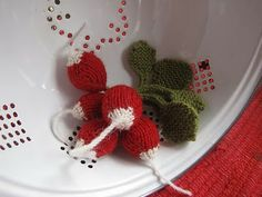 radishes Knitted (Free)