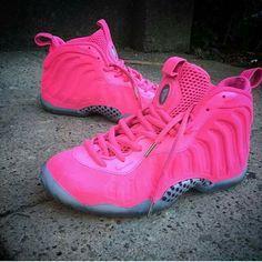 All Pink Foamposties ❤ Basket Sneakers, Cute Sneakers, Shoes Sneakers, Jordan Shoes Girls, Girls Shoes, Baskets, Fresh Shoes, Hype Shoes, Pink Shoes