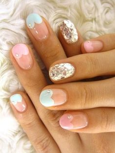 heart tips and silver glitter accent nail // these are pretty neat!