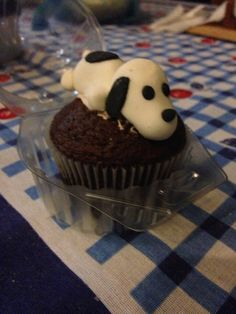 A puppy on the cupcake !! #BolinhosPirrorros