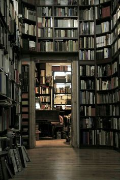 book nook hidden in the books.