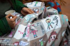 Broc Mantas personalizadas con los dibujos de todos los niños de la clase. Geniales como regalo para profesores