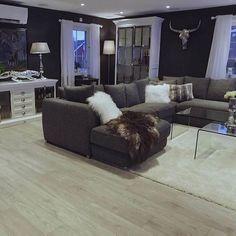#Repost @guro_eggerud ・・・ Gulv: @gulvdeal  Skjenk og skap: @classicliving  #myhome #livingroom