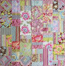 Download Amy Butler's Original Gypsy Caravan Fat Quarter Quilt FREE pattern