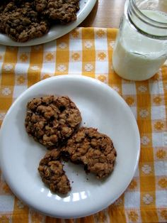 Gluten-free nutella oatmeal cookies...these look very yummy!!