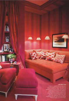 dorm studio small apartment dwellers: ways to maximize your space, vogue, victoria secret stripe walls, mulberry and pink interior design. Very chic My New Room, My Room, Design Baroque, Room Interior, Interior Design, Apartment Interior, Apartment Living, Pink Palace, Woman Cave