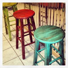 Painted stools with glaze brushed on #beautifulsalvage.....I so want to paint my boring brown bar stools. Love this!