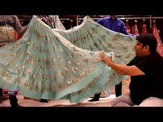 यह लहंगा मिलेगा सिर्फ 300 में। हाँ सच में होलसेल दुकान कम दाम 300,700,1200 Chandni chowk Delhi - YouTube Fasion, Fashion Outfits, Mens Fashion, Kalamkari Blouse Designs, Rajasthani Dress, Cheap Suits, Embroidery Suits Design, Shopping Places, Diy For Kids