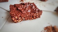 Fast & easy quinoa bars - Healthy Food for Vegetarian Protein Desserts, Brownie Desserts, Protein Snacks, Low Carb Desserts, Protein Brownies, Raw Food Recipes, Dessert Recipes, Paleo Dessert, Vegan Food
