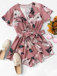 Dotfashion Pink Knot Floral Print Wrap Romper Womens Clothing 2018 Vacation V Neck Summer Short Sleeve Mid Waist Beach Playsuit Teen Fashion Outfits, Look Fashion, Girl Fashion, Girl Outfits, Womens Fashion, Cheap Fashion, Fashion Styles, Fashion Dresses, Cute Summer Outfits