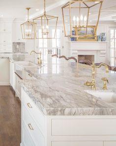 old house interior Gold Kitchen, Home Decor Kitchen, Kitchen Interior, Home Kitchens, Layout Design, Küchen Design, House Design, Interior Design, Elegant Kitchens