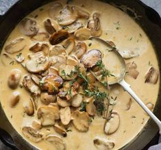 Overhead of Creamy Mushroom Sauce in a black skillet, fresh off the stove. Meat Sauce Recipes, Veggie Recipes, Cooking Recipes, Cooking Time, Creamy Mushroom Sauce, Stuffed Mushrooms, Stuffed Peppers, Food Videos, Food Porn