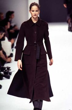 Maria Ines Rivero - Max Mara - Ready-to-Wear - Runway Collection - Women Fall / Winter 1996 Catwalk Fashion, 90s Fashion, Fashion Show, Fashion Design, Ines Rivero, Max Mara, Bellisima, Lady In Red, Supermodels