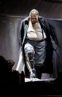 That's our Lohengrin!!  (LA Opera's production)