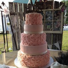 Beautiful and great tasting cake at the Murphy Wedding