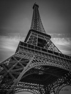 Torre Eiffel. París by ManuGarca1  B&N Blanco Canon Eiffel France Francia G15 Manu García Negro París Powershot Torre Eiffel Tower Manu