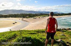 Trilha de Garopaba até Praia do Rosa: os morros repletos de verde e o cenário das praias no caminho fazem dessa trilha uma das mais incríveis em Santa Catarina