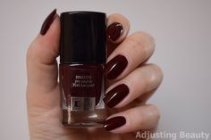 Review of ItStyle Nail Lacquer - 19 Rouge Noir