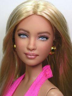 Custom Barbie Doll Repainted by Pamela Reasor Doll Repaint Tutorial, Doll Tutorial, Custom Barbie, Custom Dolls, Doll Crafts, Diy Doll, Fashion Royalty Dolls, Fashion Dolls, Barbie Basics