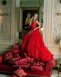 kate moss at the ritz. tim walker for vogue | camille styles