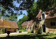 d'une île is a country hotel in the heart of a natural park, Le Perche, 150 km from Paris.