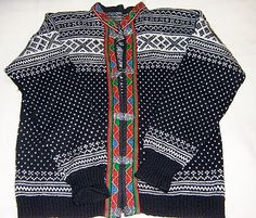 A typical Norwegian sweater. The clasps are usually silver or pewter. They are expensive; about 400 dollars for excellent quality wool. Norwegian Style, Fair Isle Knitting, Work Casual, Sweater Jacket, Autumn Winter Fashion, Winter Style, Knit Patterns, Bell Sleeve Top, Wool