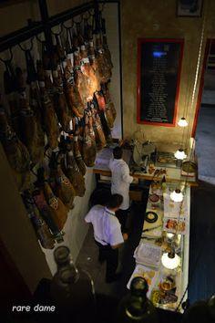 Taberna el Papelon: A Week in Seville, Spain: Traveling Like a Boss (on a Budget) Part III