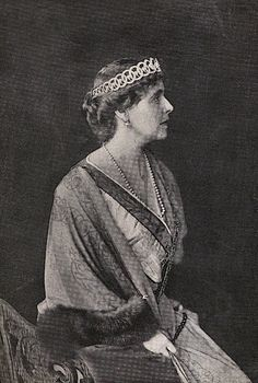 Queen Marie of Romania. Regina Maria a României. Romanian Royal Family, Greek Royal Family, Queen Victoria Children, Princess Victoria, Princess Alexandra, Royal Jewelry, Kaiser, Tiaras And Crowns, Imperial Russia