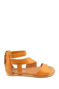 {Meeya Sandal in Tan} Gee Wawa - love these sandals!