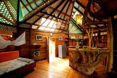 I really want to stay in this treehouse resort in Costa Rica one day!