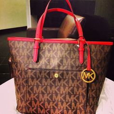 You Will Enjoy High Quality And Fast Delivery Of Michael Kors Fashion Logo Signature Large Coffee Totes Here! Cheap Michael Kors, Michael Kors Outlet, Handbags Michael Kors, Cheap Handbags, Handbags 2014, Designer Handbags, Love Couture, Louis Vuitton Store, Christmas Shopping