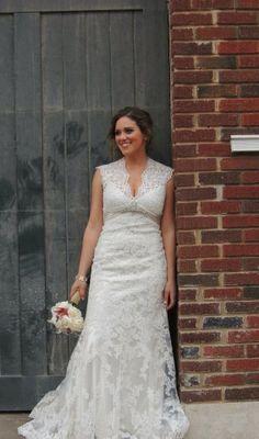 https://item4.tradesy.com/r/24d21d75c46ed8ddefacdcf76bbcfd02/720/960/weddings/allure/6-s/allure-2619-wedding-dress-768548.jpg