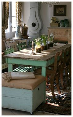 Rustic table ....bright legs, cute bench!