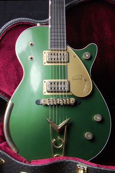 """Masterbuilt by Stephen Stern. Gold Plated Gretsch Synchro-Sonic Bridge. Gretsch Cadillac """"G"""" Style Tailpiece. Gretsch Hard Shell Case. Gretsch Carry Bag. We are an authorized dealer of many of the finest Guitar makers including ESP, Fender, Paul Reed Smith, Gretsch, Jackson, Charvel, Ibanez, Martin, Dean, Rickenbacker, Guild, BC Rich, Musicman, Larrivee and Many More.   eBay!"""