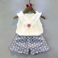 New dress pattern baby moda Ideas New Dress Pattern, Baby Boy Jackets, Sewing Clothes Women, Sleeveless Outfit, Sewing Patterns Girls, Baby Boy Shoes, Outfit Sets, Baby Dress, Kids Outfits