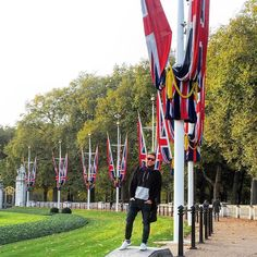 I run this show  Feeling Royal #london #uk #buckinghampalace #british #flag #royalty #godsavethequeen #confident by pipept