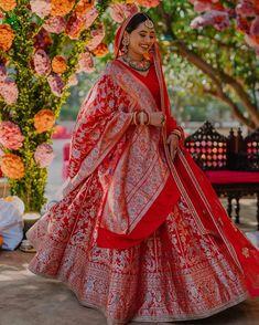 #redlehenga #lehengainspiration #silklehenga #bridalinspiration #weddinginspiration #bridalideas #decor #weddingdecoration #weddingdecor Indian Bride Dresses, Indian Bridal Outfits, Indian Bridal Fashion, Indian Bridal Wear, Wedding Lehenga Designs, Wedding Lehnga, Indian Wedding Bride, Latest Bridal Lehenga, Designer Bridal Lehenga